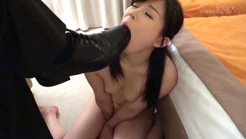 靴舐め女 靴を舐める女 靴を舐めさせられる女 morimairi29