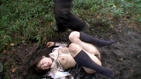 全裸野外放置される女のAVエロ画像 om46