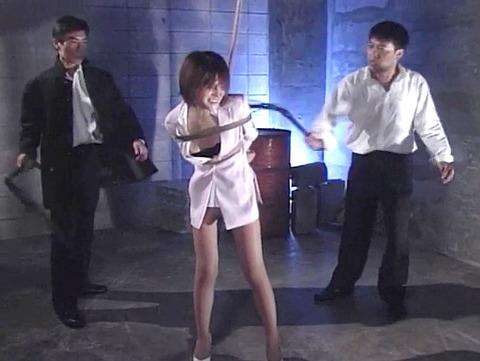 SM鞭責め鞭打ち乱打SM調教女/胸鞭AVエロ画像akinoshiori50