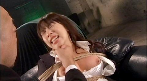 ビンタされる女 ビンタされる表情がエロい女のAV画像 aika01