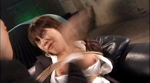 ビンタされる女 ビンタされる表情がエロい女のAV画像 aika03