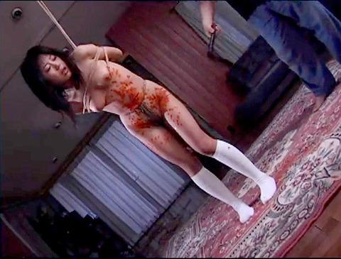 SM鞭打ち調教/鞭打たれる女のエロ画像hoshidukimayura98