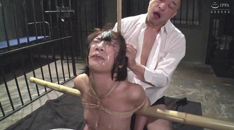 SM水責め調教/無理矢理水に沈められ拷問女エロAV画像abeno43