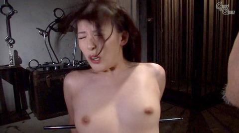 ビンタされる女 ビンタされる表情がエロい女のAV画像 kuroki23