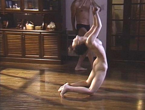 SM鞭打ち調教/鞭打たれる女のエロ画像asamayuuko53