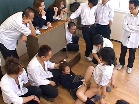 集団強姦 輪姦 集団レイプで廻される女の AVエロ画像 om258_06