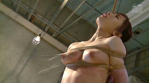 胸への鞭責めSM胸鞭SMエロビデオAV画像matuyukino17