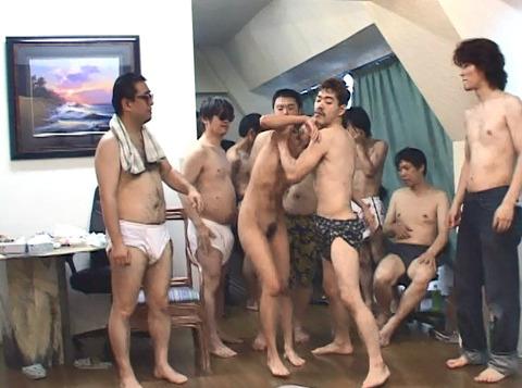 集団強姦 輪姦 集団レイプで廻される女の AVエロ画像 moritaai42