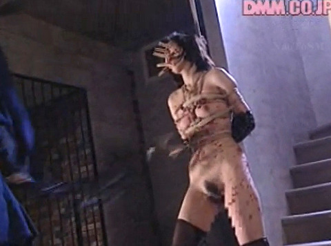 SM拷問調教 全身洗濯ばさみ責めされる女のAVエロ画像 nakagawara24