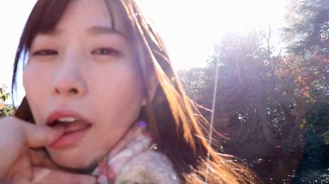 指フェラ画像/指イラマチオさせられる女のAVエロ画像hadukimomo51