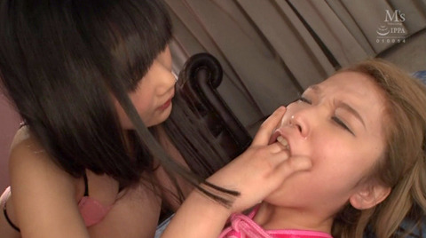 指フェラ画像 指イラマチオする女のAVエロ画像 shiina11
