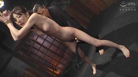 SM鞭責め鞭打ち乱打SM調教女/胸鞭AVエロ画像arisakamiyuki224