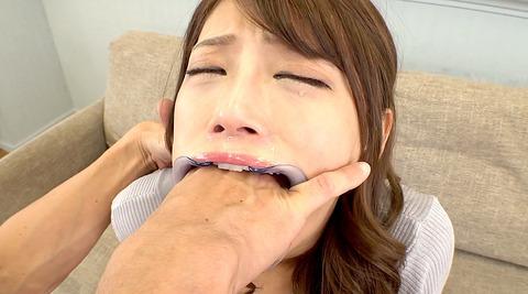 指フェラ画像/指イラマチオさせられる女のAVエロ画像nanamihina12
