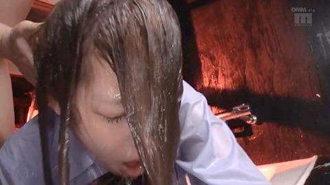 SM水責め調教/風呂場水責め拷問される女のエロAV画像maririka129
