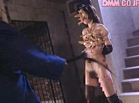 恐怖と激痛の胸への鞭責めSM調教女/胸鞭AVエロ画像nakagawara21