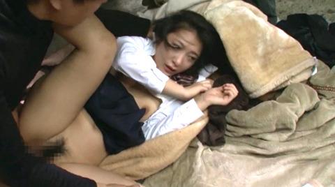 唾を吐き掛け唾を飲まされ女唾をのむ女エロAV画像abeno167