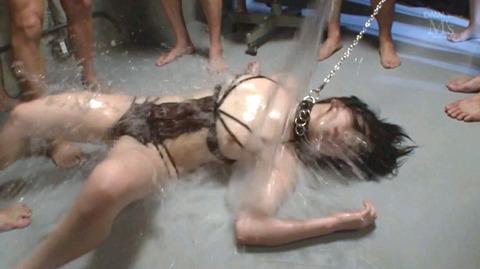 SM水責め調教水責め拷問される女のエロAV画像minamiriona24