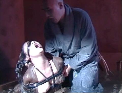 SM水責め調教/風呂場水責め拷問される女のエロAV画像za6_inoueanri05