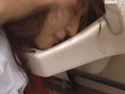 原 便器舐め女 便器を舐める女 便器を舐めさせられる女 206