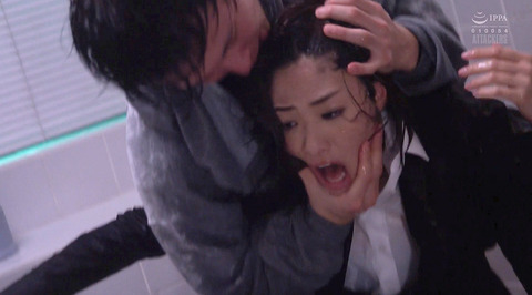 SM水責め調教/水責め拷問される女のエロAV画像_kawakami02