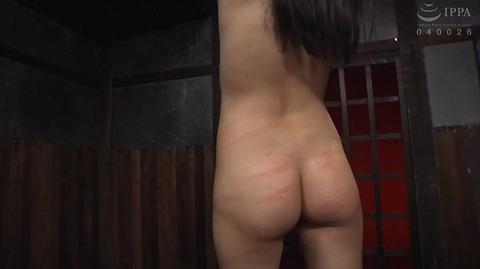 SM調教_皮膚を切り裂く一本鞭責めされる女AVエロ画像miyazaki18