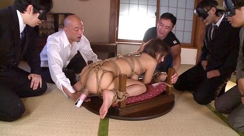麻縄緊縛SM拘束される女のエロ画像hoshino40