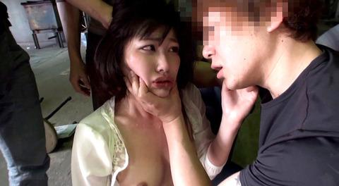 マゾ女踏みつけられて犯される女のAVエロ画像sunohara104
