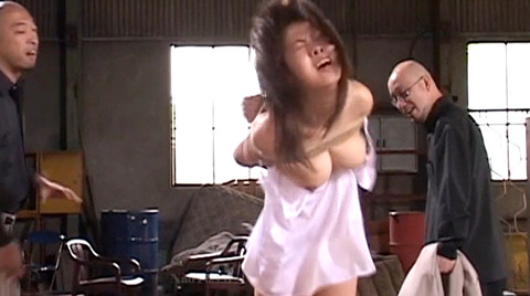 SM鞭打ち調教/鞭打たれる女のエロ画像nakanochinatu44