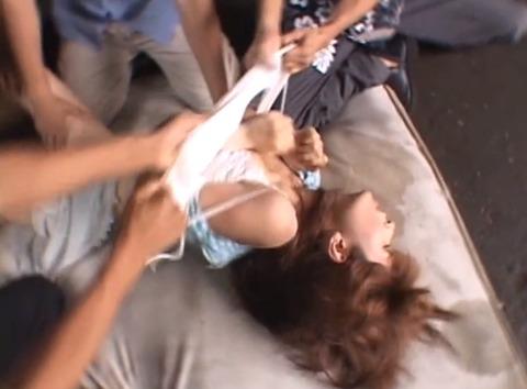 集団強姦 輪姦 集団レイプで廻される女の AVエロ画像 nanba03