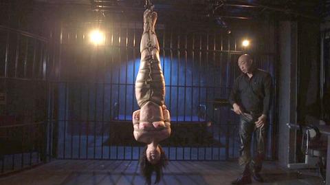 七海ゆあ 逆さ吊り 鞭打ち 緊縛 拷問SM調教 AVエロ画像 90
