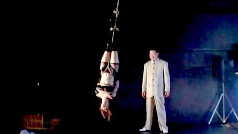 SM調教 逆さ吊り にされる女 の AV エロ画像 kisaragirin28