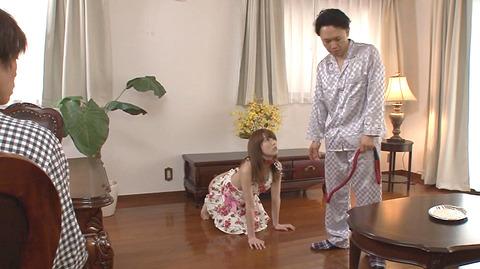 踏みつけられて水責め拷問 惨めな女のAVエロ画像 hatanoyui146