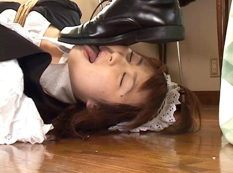 服従の誓い靴を舐める女/靴を舐め女-靴舐め女エロAV画像yukimi44_1