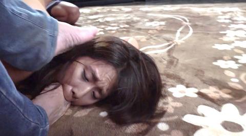 足を舐める女 足舐め女 足を舐めさせられる女 nakaomeiko121
