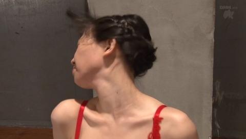 ビンタされる女 ビンタされる表情がエロい女のAV画像 suzuki01
