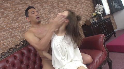 ビンタされる女 ビンタされる表情がエロい女のAV画像 yuzu171
