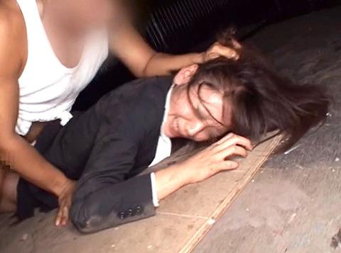 集団強姦 輪姦 集団レイプで廻される女の AVエロ画像 za3_23