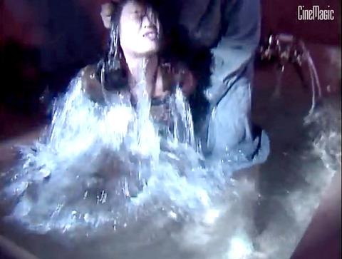SM水責め調教/水責め拷問される女のエロAV画像_inoueanri13