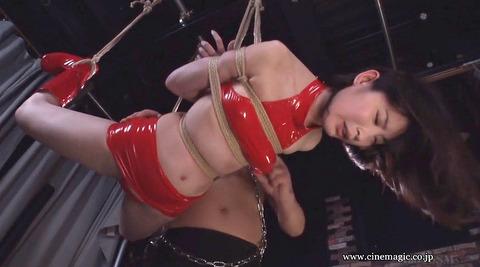 麻縄緊縛SM拘束される女のエロ画像hazukimomo144