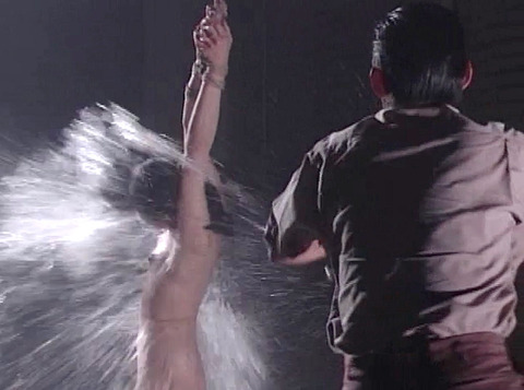 SM水責め調教/水責め拷問される女のエロAV画像_yazawayoko08