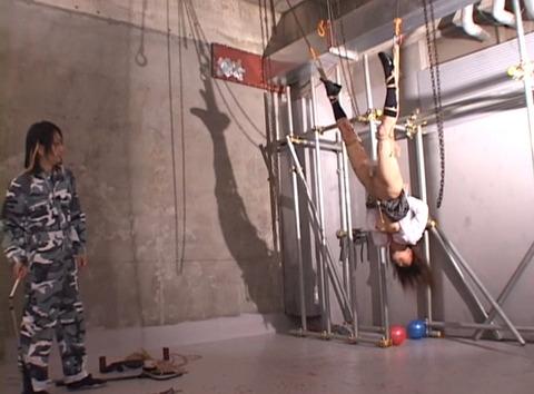 水野ほとり 逆さ吊り 緊縛 拷問SM調教 AVエロ画像10