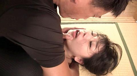 唾を吐き掛け唾を飲まされ女唾をのむ女エロAV画像nagai32