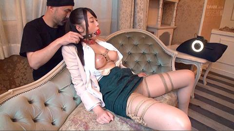 猿轡/口枷をされる女の口拘束AVエロ画像_hatumisaki55