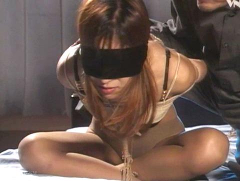 麻縄緊縛SM拘束される女のエロ画像okazakimio05