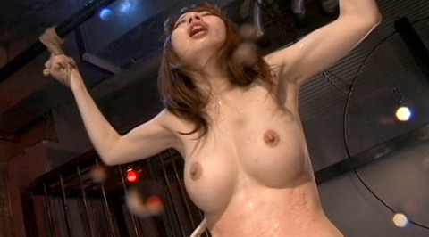 SM拷問調教 全身洗濯ばさみ責めされる女のAVエロ画像 misaki136