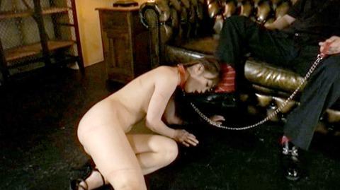 服従の誓い靴を舐める女 靴舐め女 靴を舐め女 エロ AV画像 nana68