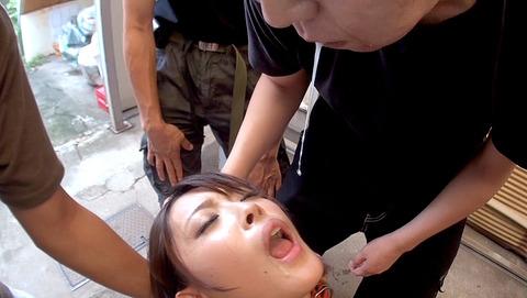 唾を吐きかけられ犯される女唾を飲まされる女エロAV画像ogura13