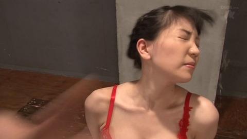 ビンタされる女 ビンタされる表情がエロい女のAV画像 suzuki03