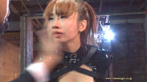 ビンタされる女 ビンタされる表情がエロい女のAV画像 misaki224