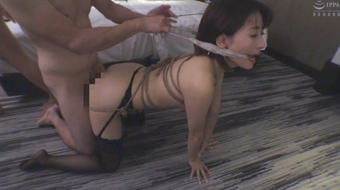 猿轡&口枷される女の口拘束AVエロ画像 sasahara19